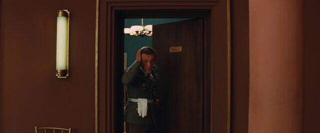 File:Hand Landa exits the cinema office.jpg