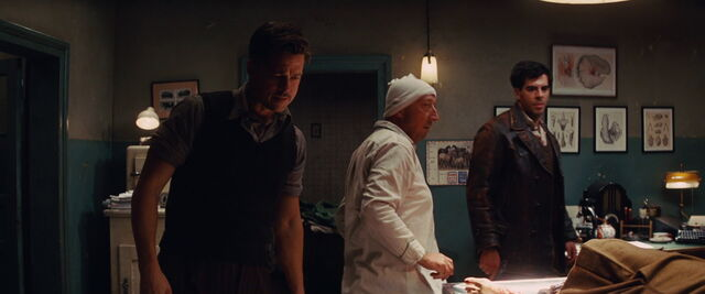 File:Aldo Raine, doc and Donny in the hospital.jpg