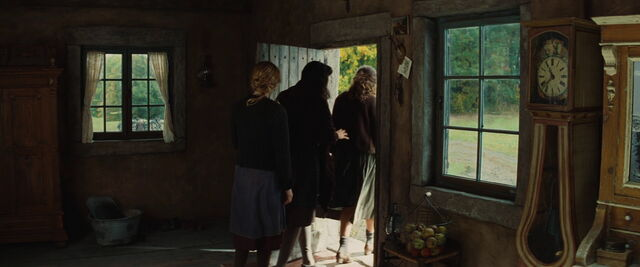 File:Suzanne, Julie and Charlotte leave outside.jpg