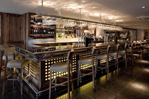 Restaurant-bar-and-grill-martins 03