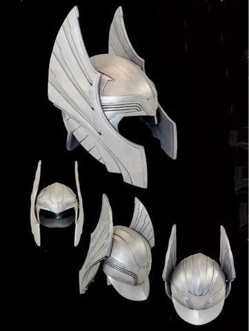 File:Fantasy-Winged-Helmet-TR1161.jpg