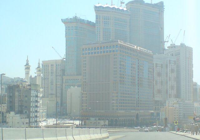 File:Abraj Al Bait - Dar Al Tawheed Hotel - Grand Mosque - Mecca.JPG