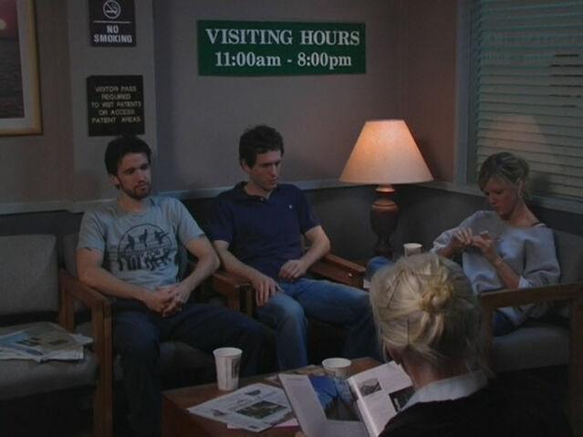 File:1x5 Mac Dennis Dee waiting room.jpg
