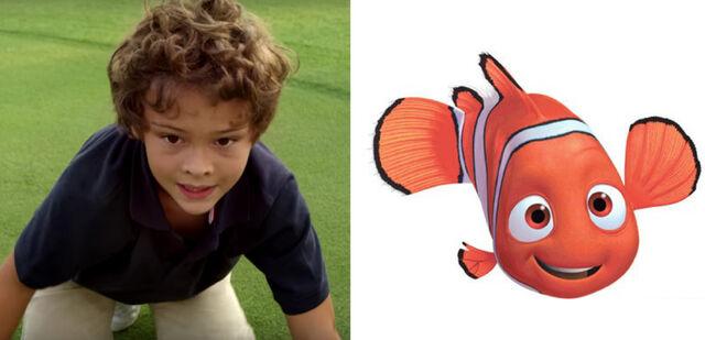 File:Hayden Rolences voices Nemo.jpg