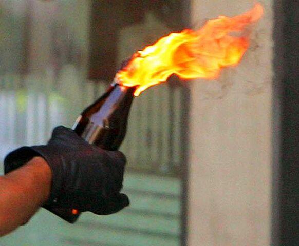 File:Molotov cocktail flam.jpg