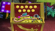 Team treasure chest-Plundering Pup01