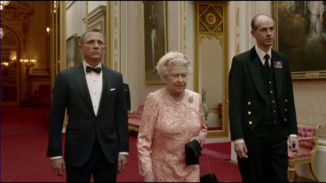 File:Bond with Queen.png