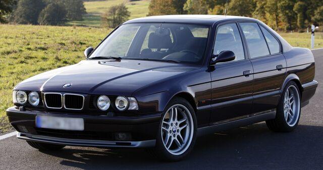 File:BMW 520i.jpg