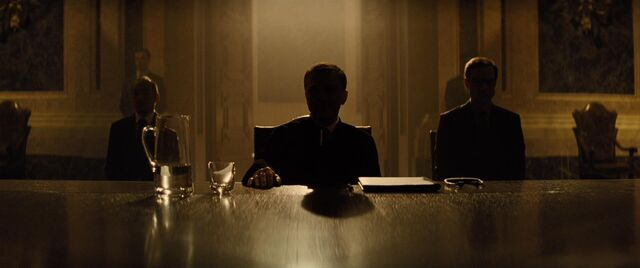 File:Spectre - Blofeld chairs SPECTRE meeting.jpg
