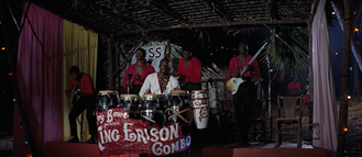 The Kiss Kiss Club (Nassau, Bahamas) 2