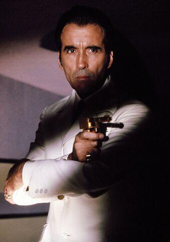 File:Scaramanga Golden Gun.jpg