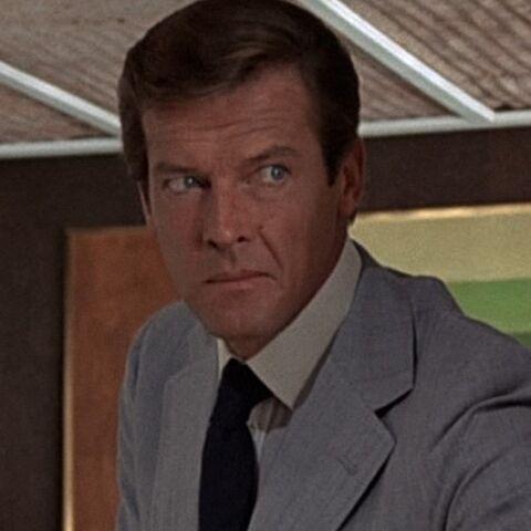 File:James Bond (The Man with the Golden Gun) - Profile.jpg