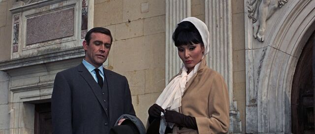File:La Porte and Bond - Thunderball (1965).jpg