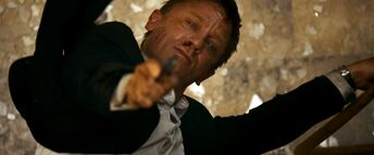Quantum of Solace - Bond shoots Mitchell