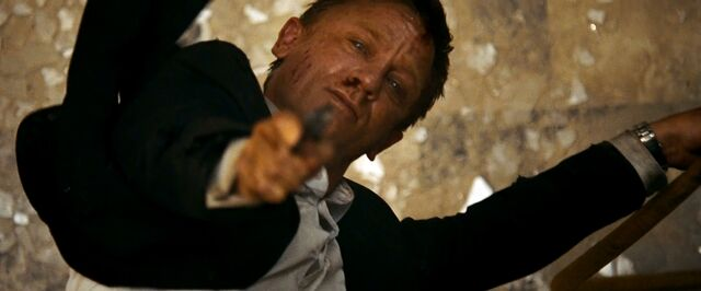 File:Quantum of Solace - Bond shoots Mitchell.jpg