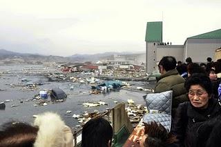 File:Japan-tsunami-earthquake-photo-stills-007.jpg