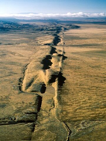 File:San-andreas-fault 19 600x450.jpg