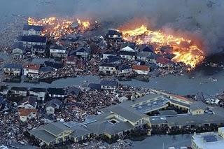 File:Japan-tsunami-earthquake-photo-stills-011.jpg