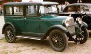 Whippet 4-Dörrars Sedan