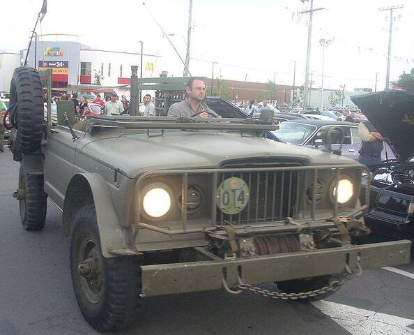 File:Military Jeep Gladiator (Orange Julep).jpg