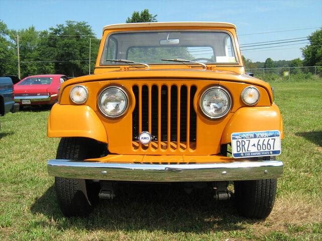 File:1971 Jeepster Commando SC-1 pickup orange f-Cecil'10.jpg