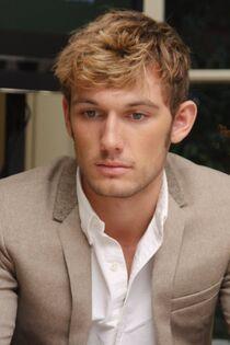 Alex Pettyfer Gavin