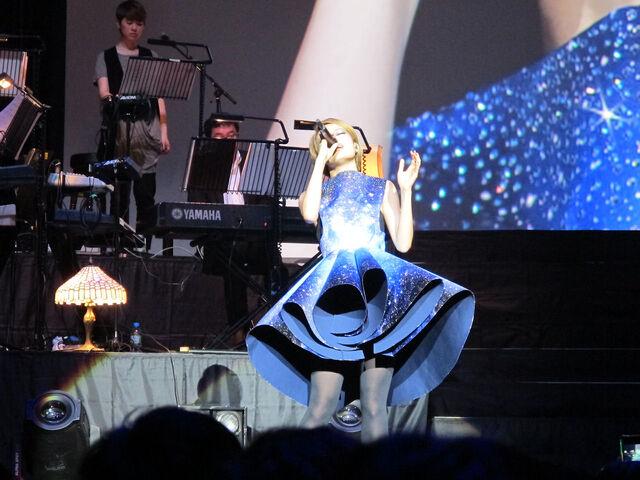 File:Joey UK Concert 13.jpg