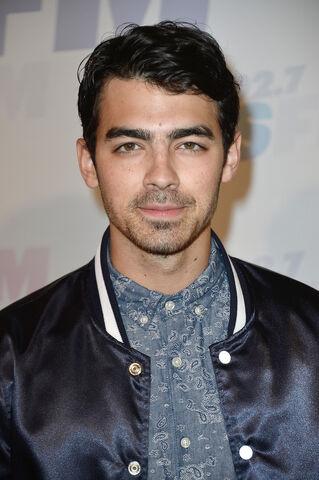 File:Joe Jonas Arrivals Wango Tango Carson qG8 FLuCahGx.jpg