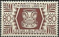 Wallis and Futuna 1944 Ivi Poo Bone Carving in Tiki Design f