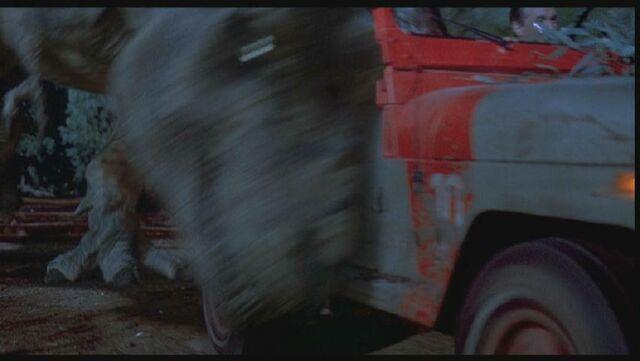File:JurassicPark-RexCloseChase5.JPG