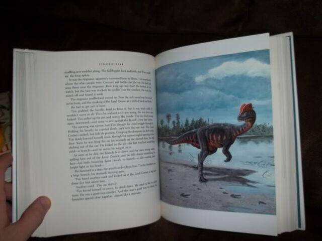 File:Jurassic-park-book.jpg