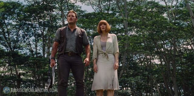 File:Jurassicworld-movie-trailer-screencap-48.jpg