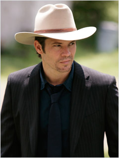 File:Olyphant-justified-hat.jpg