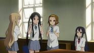Mio looks like Azusa