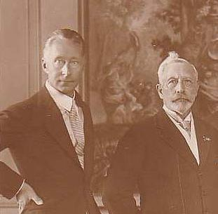 File:Wilhelm with father.jpg