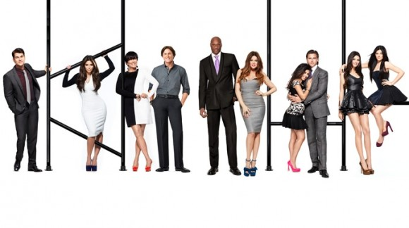 File:Kardashian-Keeping-Up-Season-7-Promo-Images-051212-1-580x324.jpg