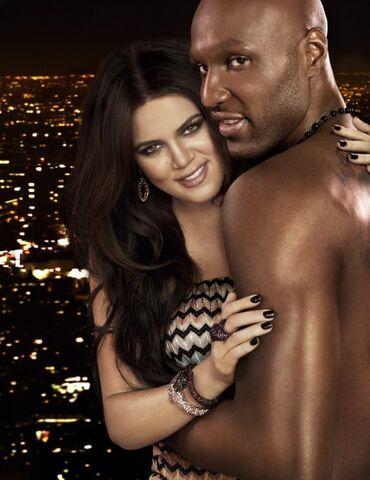 File:Khloe-Kardashian-Lamar-Odom-New-Show-Promo-Image-0329110-580x752.jpg
