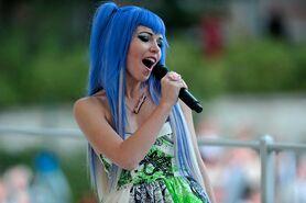 Kerli blue hair in Estonia 1