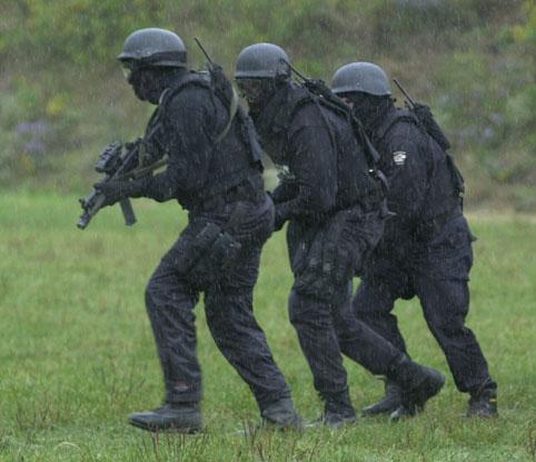 File:Dark op soldiers.jpg
