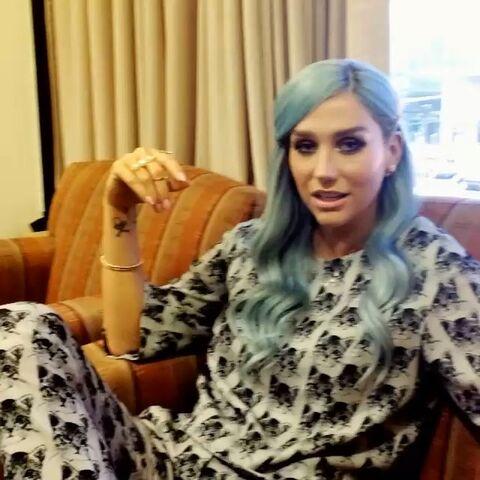 File:Keshas instagram video 11 2014.jpg