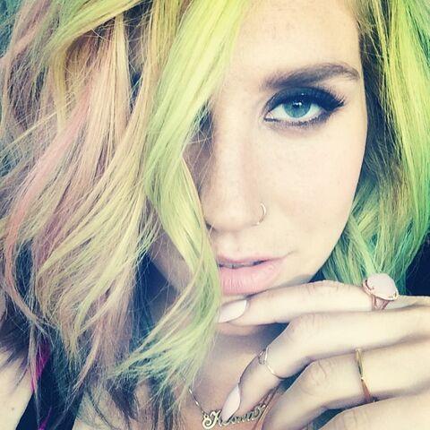 File:Kesha's instagram 8 2014.jpg