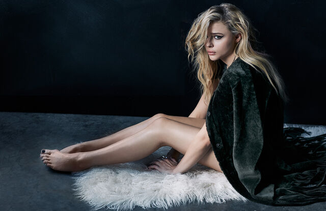 File:1447957416207 chloe-grace-moretz-nylon-dec-jan-2016-3.jpg
