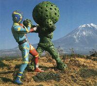 Kikaider vs Sponge Green