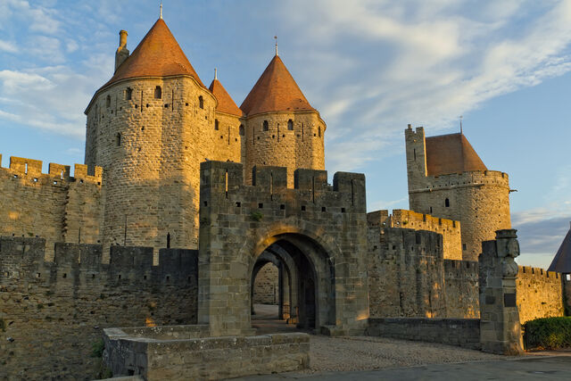 File:Historic-fortified-city-carcassonne-7.jpg