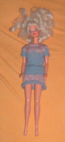 File:Barbie knit 001 a.JPG