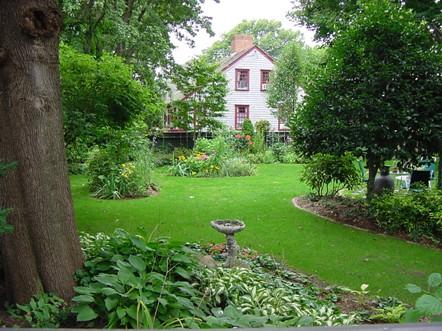 File:House-lawn.jpg