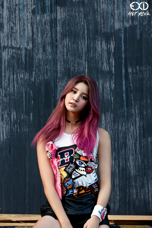 Ragam Pilihan Gaya Rambut Dengan Sentuhan Warna Pink Ala Idol Korea Berani Coba Beauty Journal