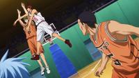 Kagami blocks Midorima shot.png