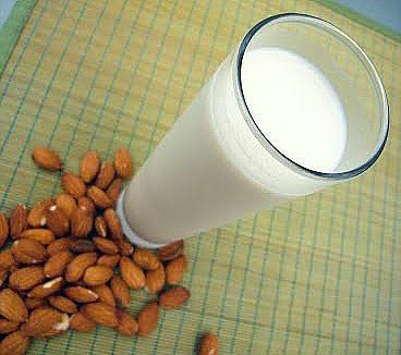 File:Almond milk.jpg