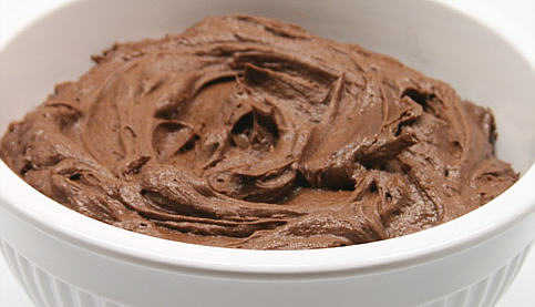 File:Chocolate frosting.jpg